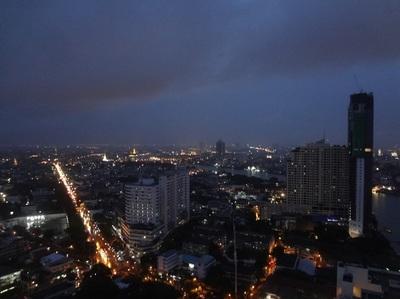 Millennium Hilton Bangkok exective lounge cocktailtime (12).JPG