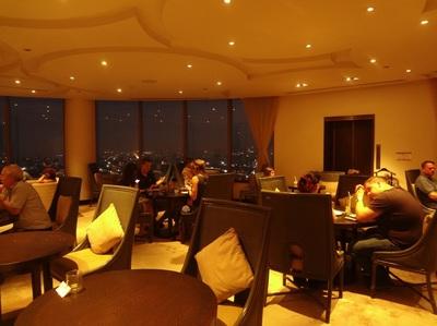 Millennium Hilton Bangkok exective lounge cocktailtime (9).JPG