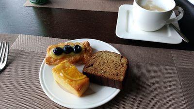 hilton_shenzhen_morning_lounge (15).jpg
